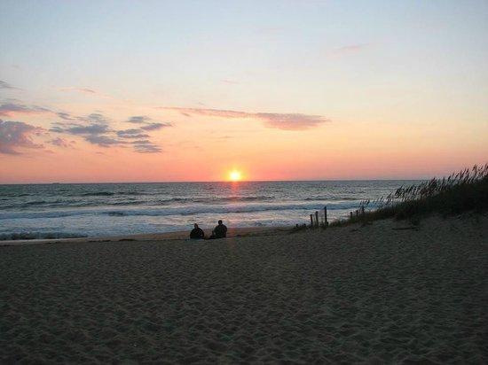 John Yancey Oceanfront Inn : Sunrise