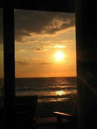 John Yancey Oceanfront Inn: Sunrise