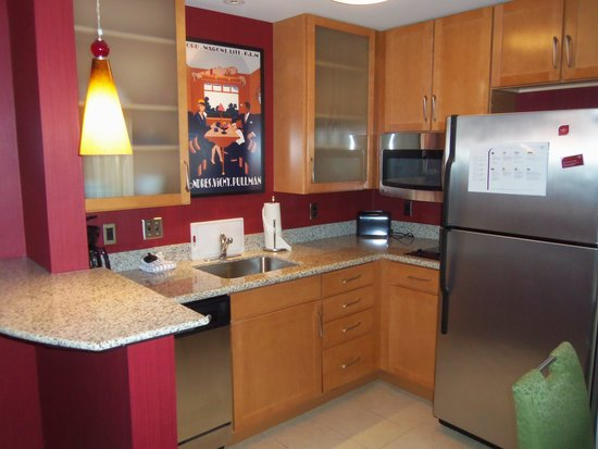 Residence Inn Pittsburgh Monroeville/Wilkins Township: Kitchen
