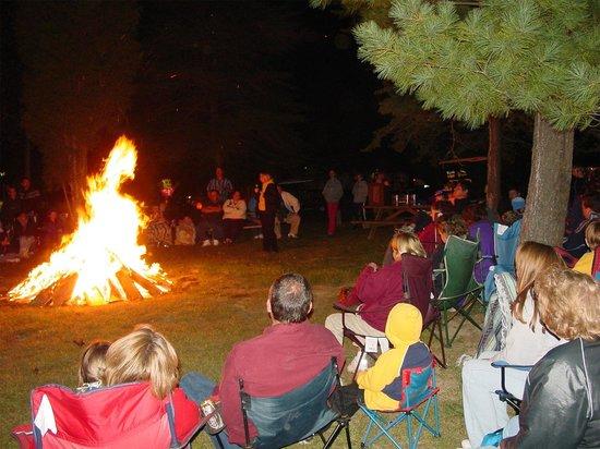 Lake Rudolph Campground & RV Resort: Bonfire Ghost Stories during Halloween Weekends