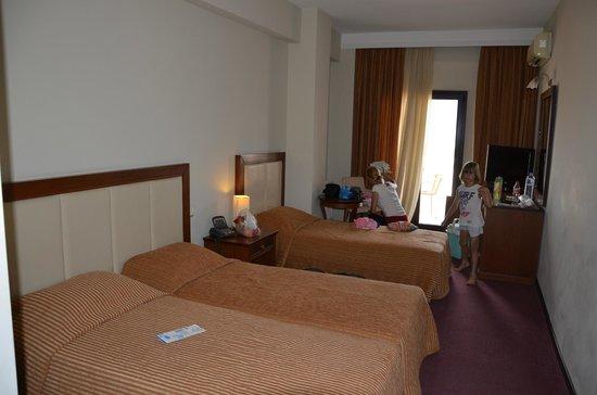 Heaven Hotel: room