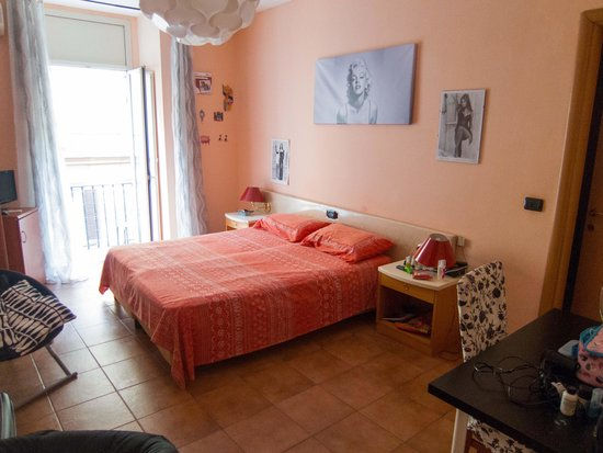Hotel CineHoliday : Bedroom
