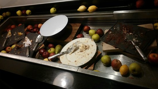De Vere Wokefield Estate: Empty Sweet Counter!
