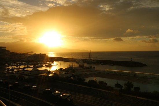 Hotel Marina Atlantico: Sunrise from balcony