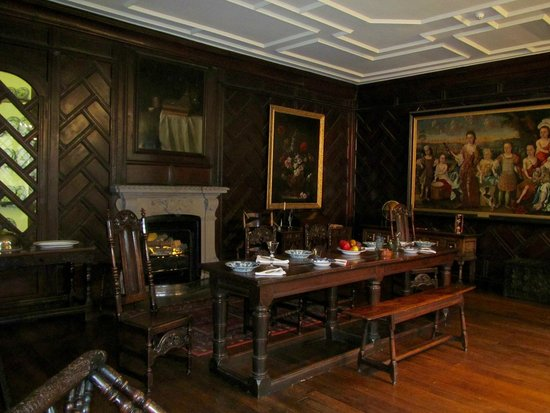 Towneley Hall: The Family Dining Room