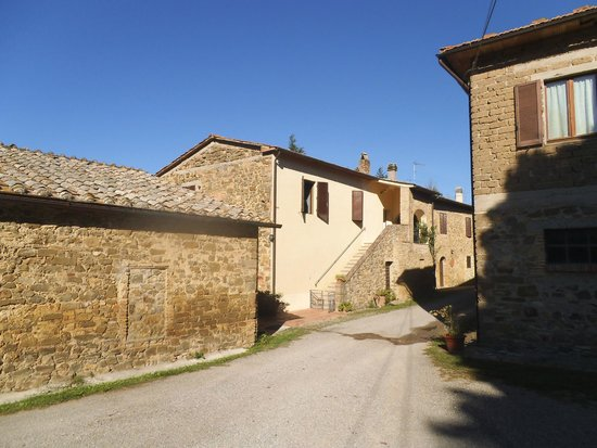 Agriturismo La Crociona: 13th century farmhouse converted to apartments
