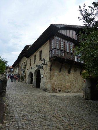 La Casa de Guela: View from the street