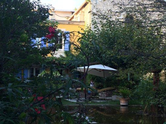 Mas de la Chapelle : La terrasse