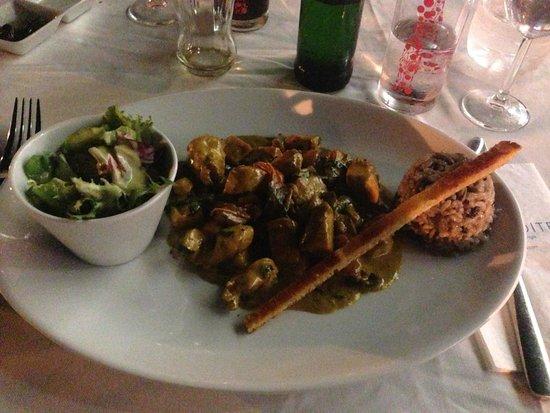 Aphrodite Restaurant: Chicken curry