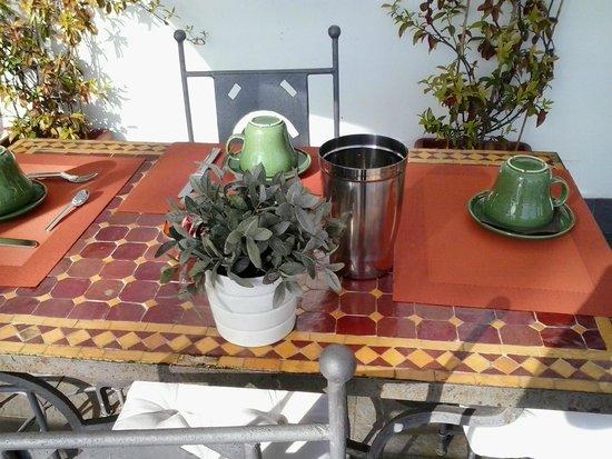 B&B La Darsena: tavolino
