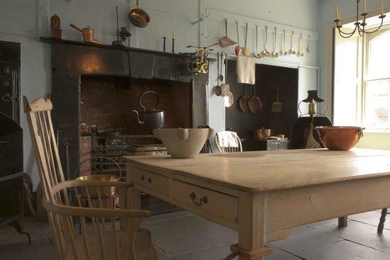 The Georgian House Museum: Kitchen