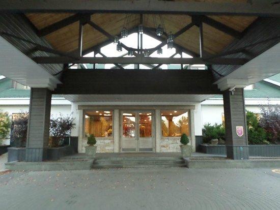 Manoir Saint-Sauveur : Entree principale du MSS
