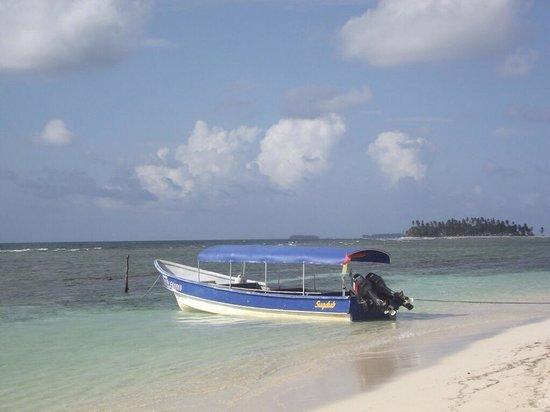 Cabanas Coco Blanco: Coco Blanco's boat