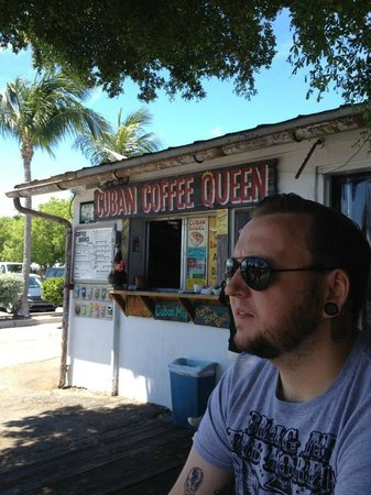 Cuban Coffee Queen : Sitting outside waiting for our food
