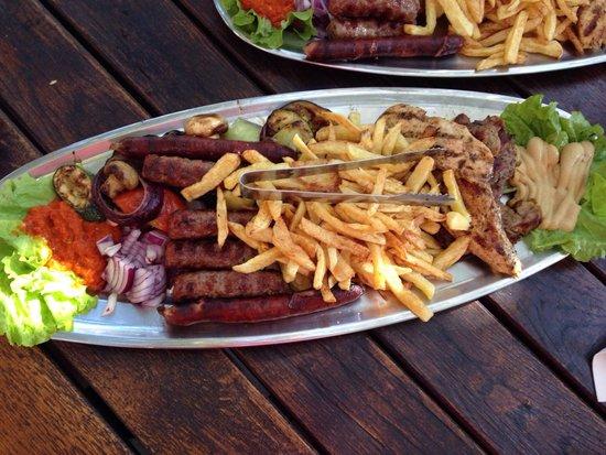 Lady Pi-Pi: Mixed Grill-Teller für 2 Personen :)