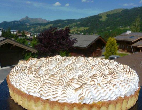 Chalet Novelin: Passion fruit and meringue tart