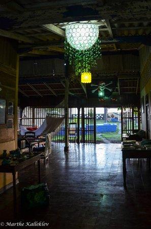 Rigo's Guest House: Living room