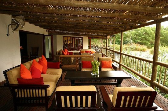 Woodall Country House and Spa: Sundowner Deck