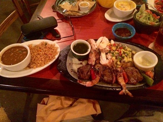 Pappasito's Cantina Rstrnts: Steak and shrimp over chicken fajitas