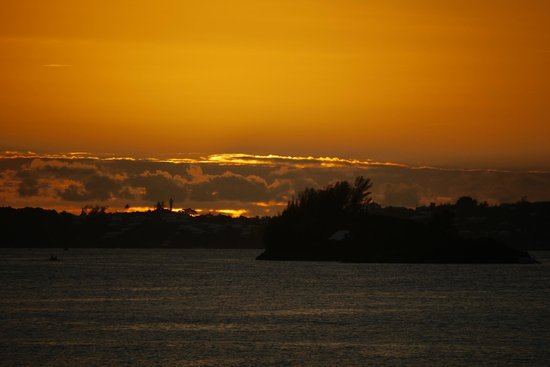 Granaway Guest House & Cottages: The sunset from Granaway's dock - August 2014