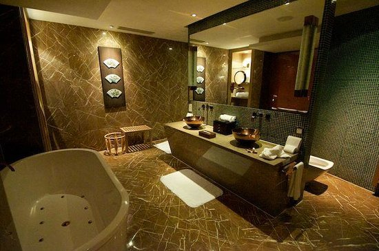 Pudi Boutique Hotel: Big Bathroom