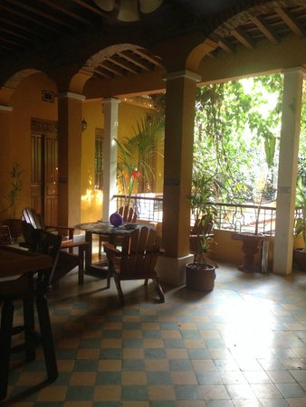 La Brisa Loca Hostel: Segundo andar, ao lado do bar
