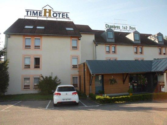 Time Hotel: Façade, face route de Vittel