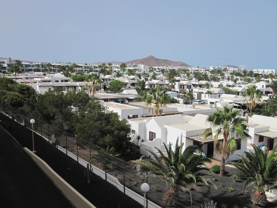walkway to Costa Teguise Resort - Picture of Hotel Coronas ...