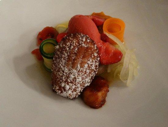 Restaurant Le Fantin Latour: delicious desert course