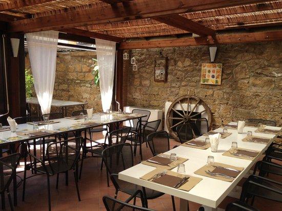 il giardino - Picture of Cucina Garibaldi, Piazza Armerina - TripAdvisor