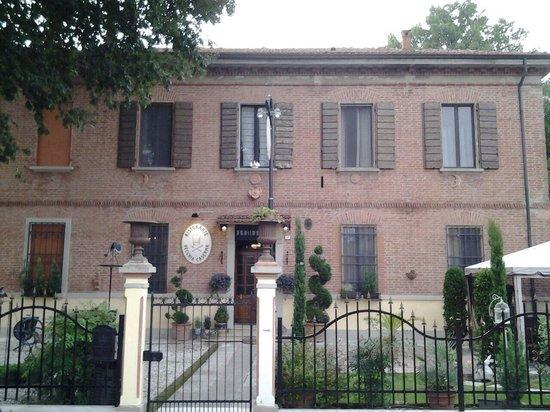 Ristorante vecchia caserma santa maria codifiume for La vecchia roma ristorante roma