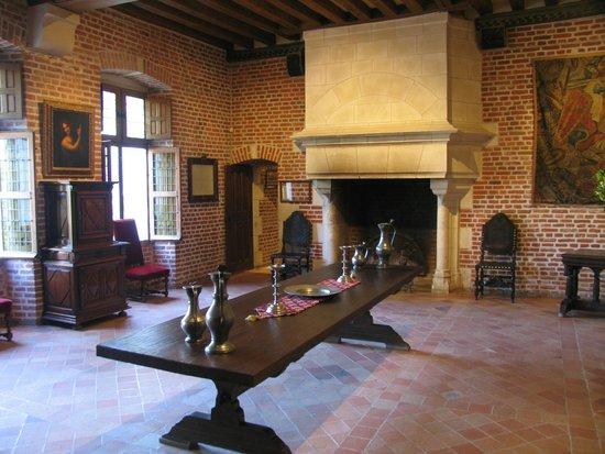 Leonardo 39 s bedroom picture of le chateau du clos luce for Leonardo s dining room