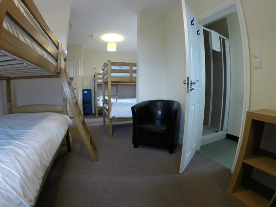 Wayfarers Independent Hostel: 6 bed dorm