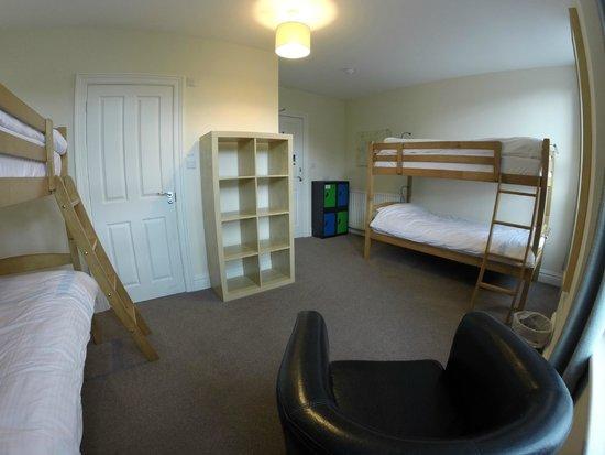 Wayfarers Independent Hostel: 4 bed dorm