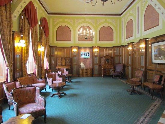 Bellevue Hotel: Hall