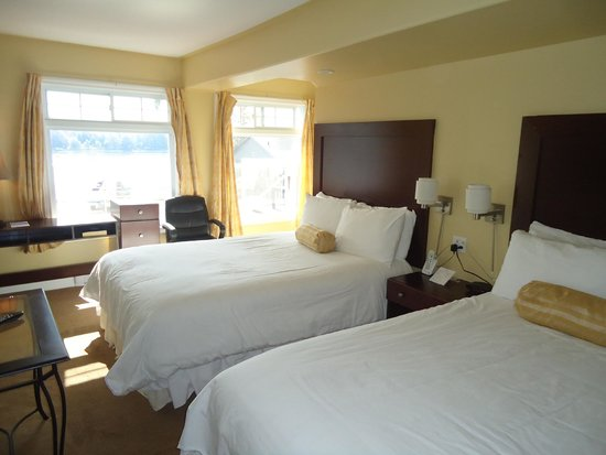 Bayside Inn & Waterfront Suites: Waterview Junior Suite
