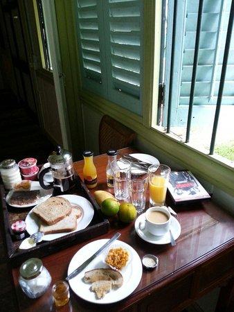Temple Tree at Bon Ton: Breakfast