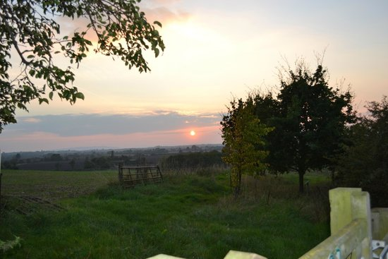 The Mason's Arms: A sunset view from Meon Hill near Stratford on Avon