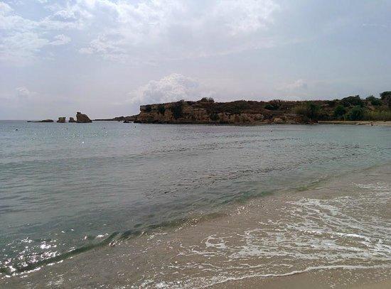 Hotel Villamare: On the beach