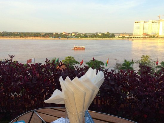 The Quay Boutique Hotel : Riverside view