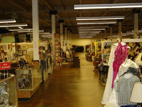 Weldon, Caroline du Nord : Clean, spacious antique mall.