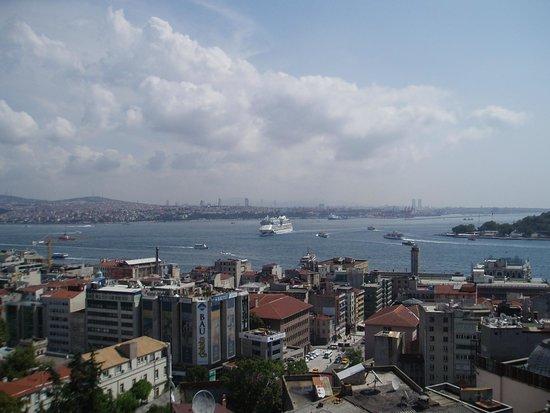 Manzara Istanbul: Kreuzfahrtschiffe legen an