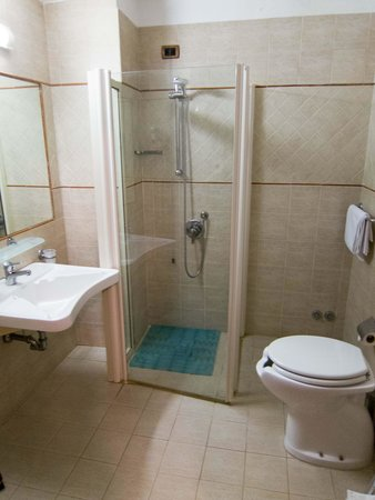 Assisi Hotel : Bathroom