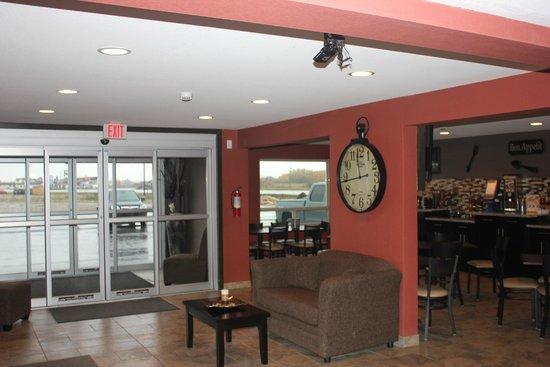Western Star Inn & Suites: Lobby
