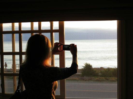 Pelican Inn & Suites: View from ocean view room upstairs