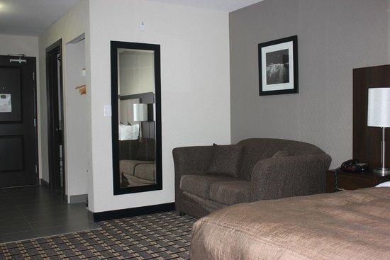 Western Star Inn & Suites: King Suite