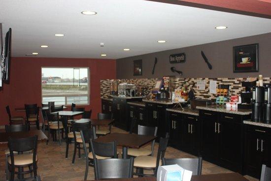 Western Star Inn & Suites: Eating area