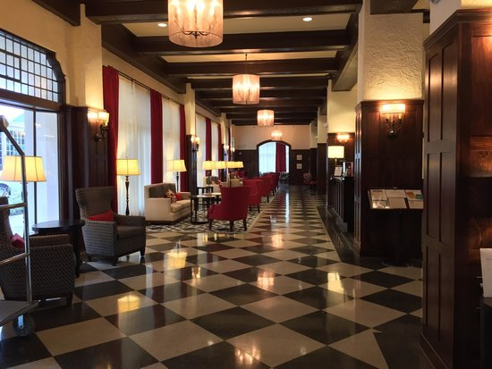 Hampton Inn & Suites Bradenton Downtown Historic District: A hotel with a lot of character...