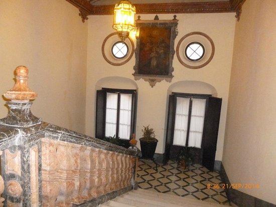 Hotel Palacio Marques de la Gomera: Escalera