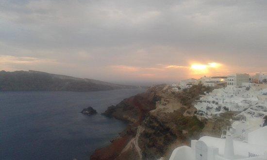 Hotel Dilino: tramonto ad Oia